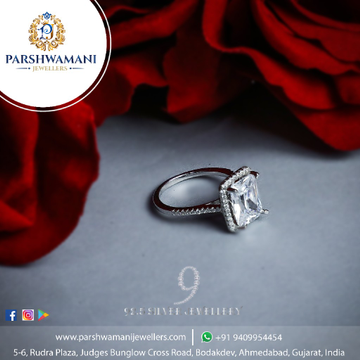 92.5 Sterling Silver White stone Cz Fancy Ring for Women