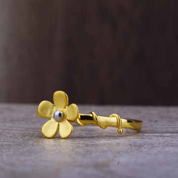 Ladies 22K Gold Flower Design Ring -LPR92