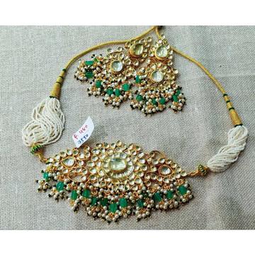 Green And White Kundan Choker With Khakhu Pearls 1096