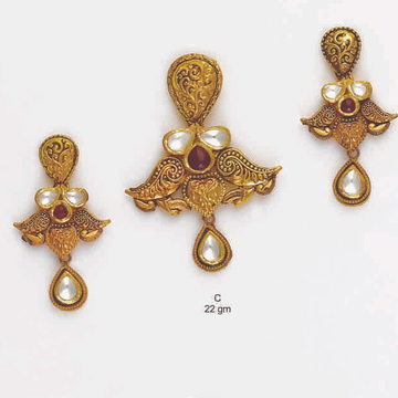22 KT Light Weight Pendant Set