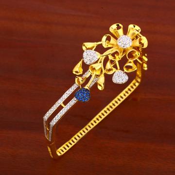 750 gold ladies designer kada bracelet lkb130