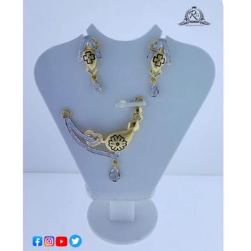 22 carat gold antiq ladies pendant set RH-PS651
