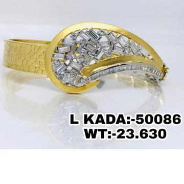 916 Gold white Stone Classic Ladies Kada Braslect RH-LB20