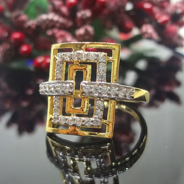 916 Gold Cz Diamond Square Ladies Ring