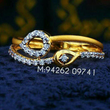 Clasiic design fancy cz ladies ring lrg -0358