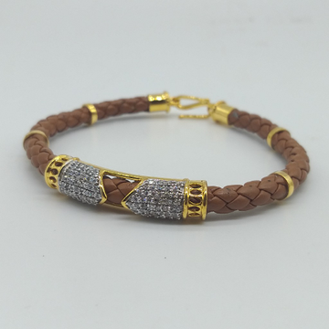 18kt Gold Llucky in Leather belt by