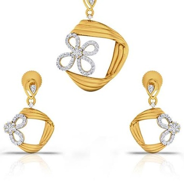22 karat, 916 Hall-marked, Yellow Gold modern design flower completing the square Pendant with Earrings set JKP008