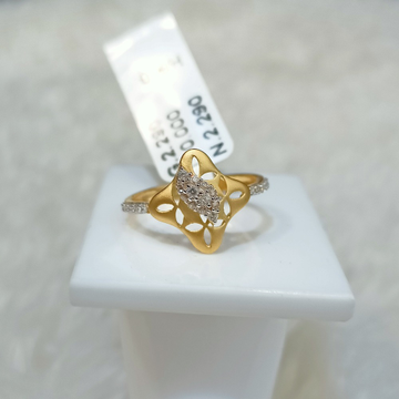 22 kt diamond square ring