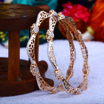 18 K Gold Fancy Bangle. NJ-B0645