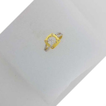 22KT Yellow Gold Ladies Prong CZ Ring