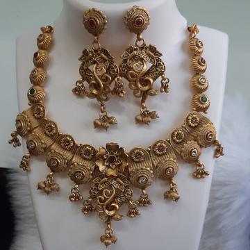 antik set by Shree Kesar Gold Palace
