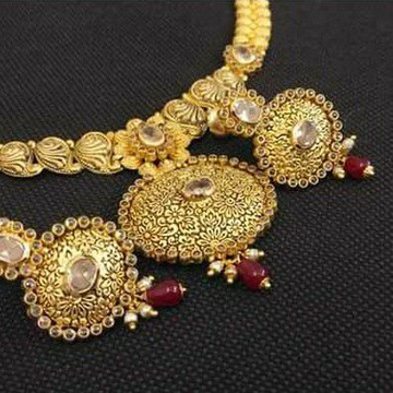 22kt Gold Antique Full Neck Necklace Set