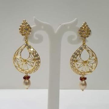 18k Gold light weight Designer Earings by