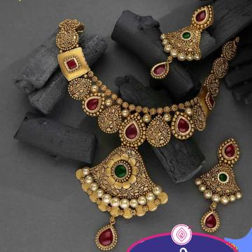 antique set by Dagina Jewellers