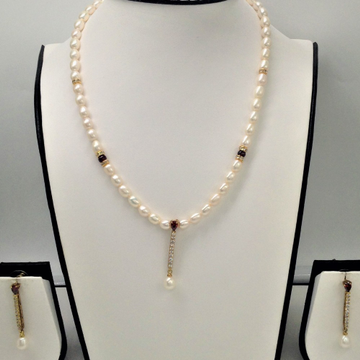 White , maroon cz and pearls pendentset with ovalpearls mala jps0142