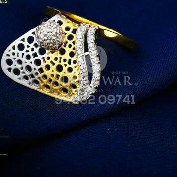 916 Attractive Fancy Cz Gold Ladies Ring LRG -0702