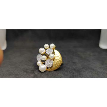 18Kt Ladies Fancy Italian Gold Ring lr-24025