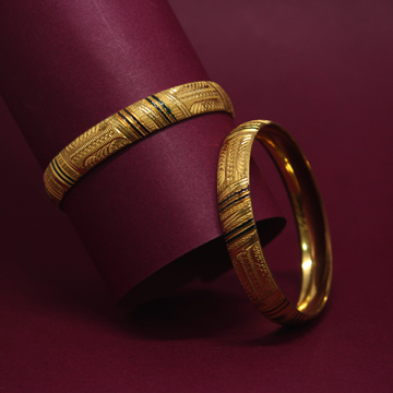 916 Hallmarked Classic Bangles by Simandhar Jewellers