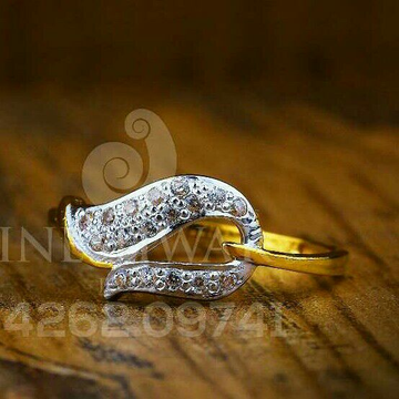 916 Gold Cz Fancy Ladies Ring LRG -0145
