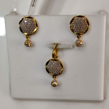 916 22 carat fancy diamond pendal set by Parshwa Jewellers