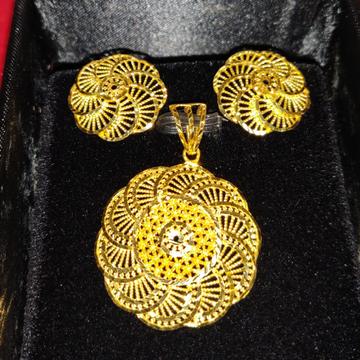 Casting Turkey Pendant Set by Gold & Silver Palace