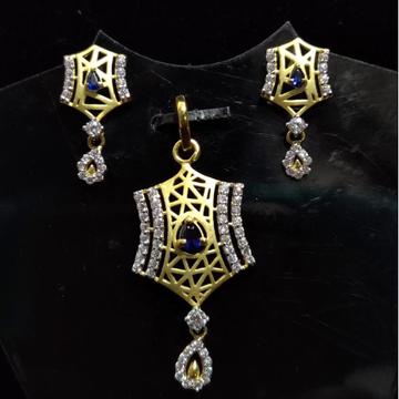 916 Gold 22kt Diamond  Pendal Butti Set RH-PSET04
