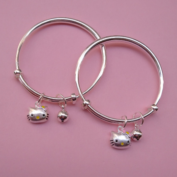 Pure silver baby Kada with Cute kitty charms (1 pa...