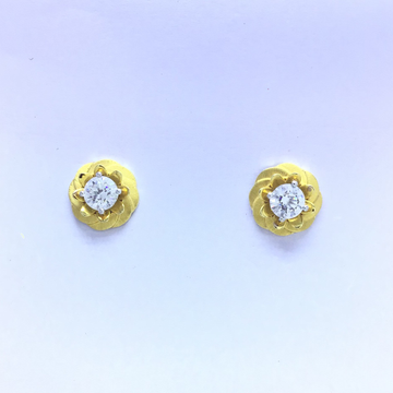 designing fancy flower gold earrings