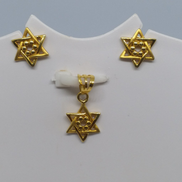 18 kt gold plain pendent set by Zaverat