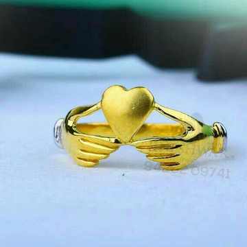 916 Fancy Heart Shape Gold Ladies Ring LRG -0654