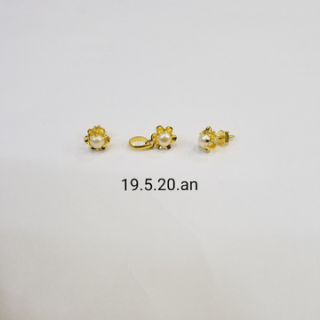18kt gold c ston butti MC0263 by
