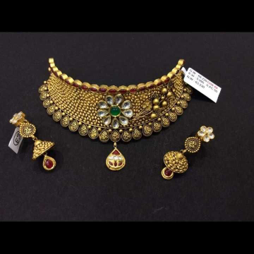22 K Gold Antique Choker Set. NJ-N01144