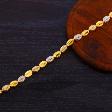 916 Gold Ladies Hallmark Bracelet LB367