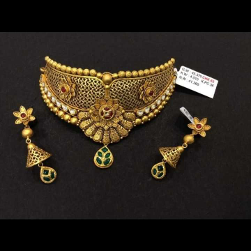 22 K Gold Antique Choker Set. NJ-N01143