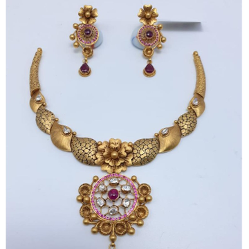 22 CT GOLD ANTIQE BRIDAL SET
