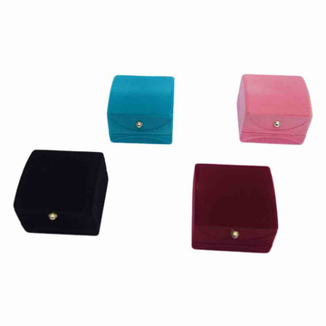 Bombay velvet ring/ tops box