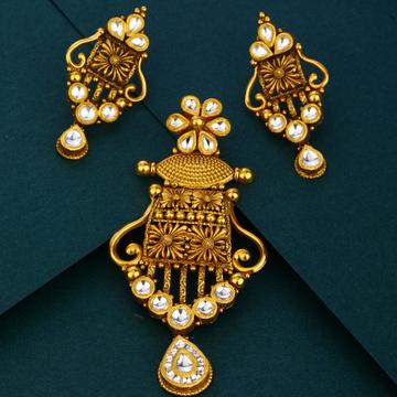 916 hallmark unique Antique  gold pendant set