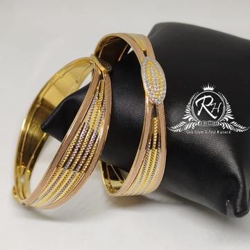 18 carat gold fancy ladies bangels kada Rh-Lr907