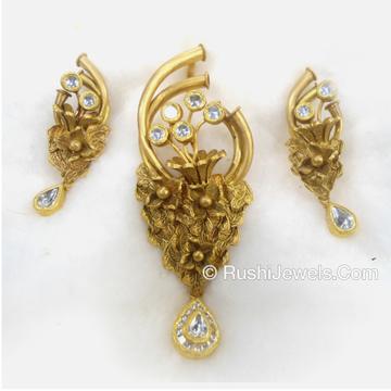 22kt Light Weight Antique Gold Pendant Set