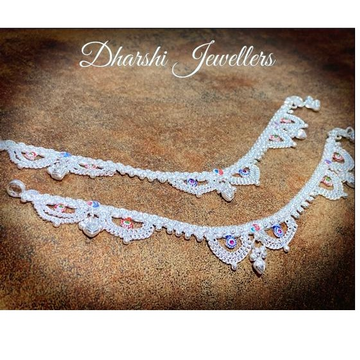 Fancy Hanging Anklets by