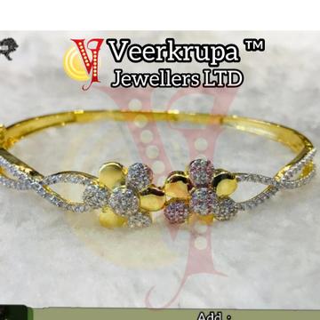 916 Gold Ladies Cz Bracelet by