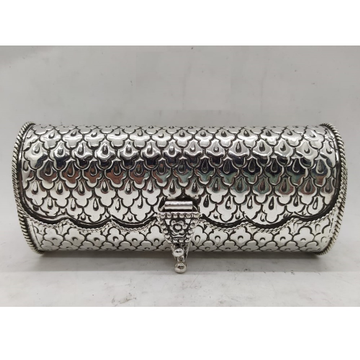 Puran Pure Silver Clutch In Mesh Tile Carvings