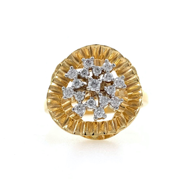 Fancy Cocktail Ring with Wave effect in 18K Yellow Gold - 6.980 grams - 0.32 carats - VVS EF - 0LR57