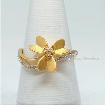 22kt Gold Flower Shape Diamond Ring