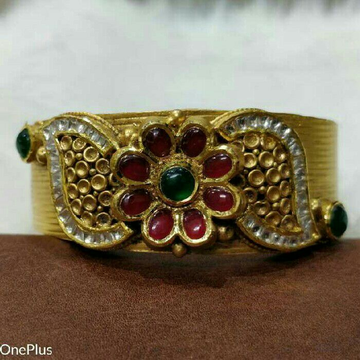 22K/916 Gold Antique Bangle