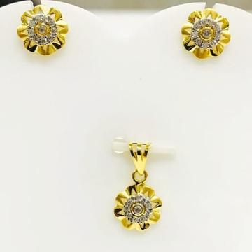 916 gold flower pendant set by