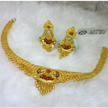 Delicate lite weight gold necklace set