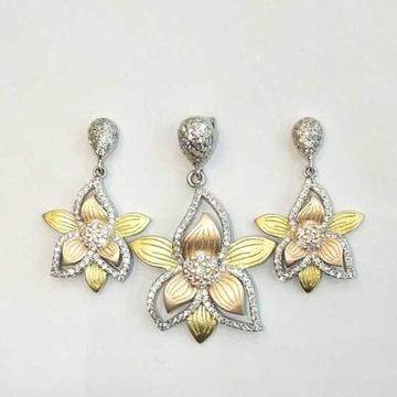 925 Sterling Silver Designed Flower Pendant Set