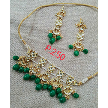Green Beads And White Kundan's Delicate Choker Necklace Set 1087