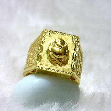 Gold Hm916 Square Ganesha Ring